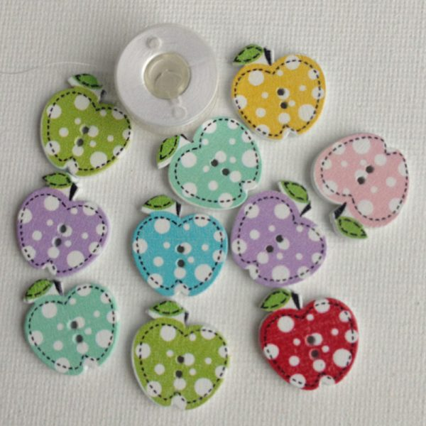 1010-wooden-apple-buttons