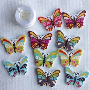 1043-wooden-bright-artistic-butterfly-buttons