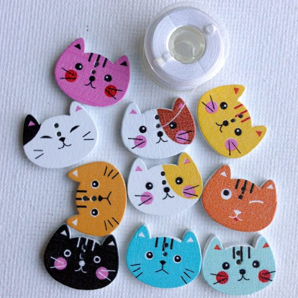 1061-wooden-cat-faces-buttons