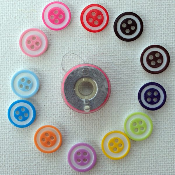 1058-outlined-resin-buttons