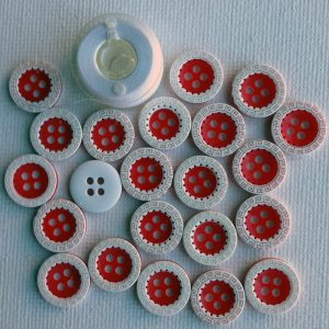 1088-red-white-decorated-resin-buttons