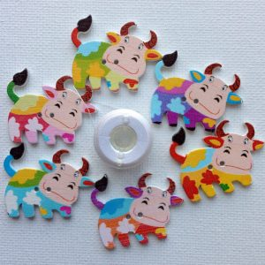 1137-wooden-multi-coloured-cow-buttons