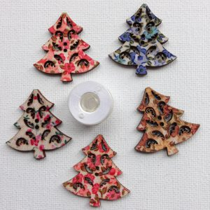 1138-wooden-christmas-tree-buttons-patterned-buttons