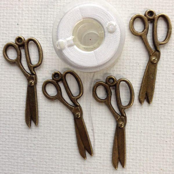 C108-scissors-charms-bronze