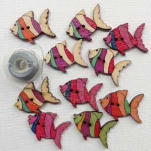 1122-tropical-fish-buttons-colourful-natural