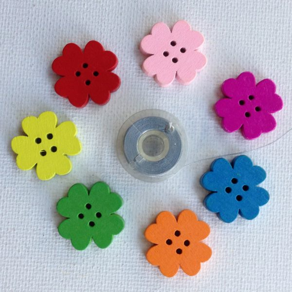 1165-shamrock-shaped-flower-buttons-7-colours