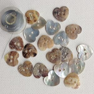 1171-mother-of-pearl-heart-buttons
