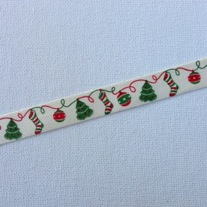 R113-christmas-ornaments-trees-stockings-ribbon-58