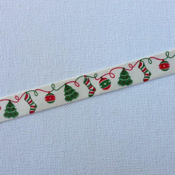 R113-christmas-ornaments-trees-stockings-ribbon-58