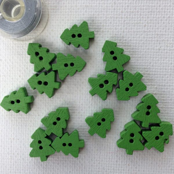 green-christmas-tree-buttons