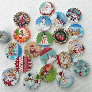 1196-patterned-christmas-oranament-buttons